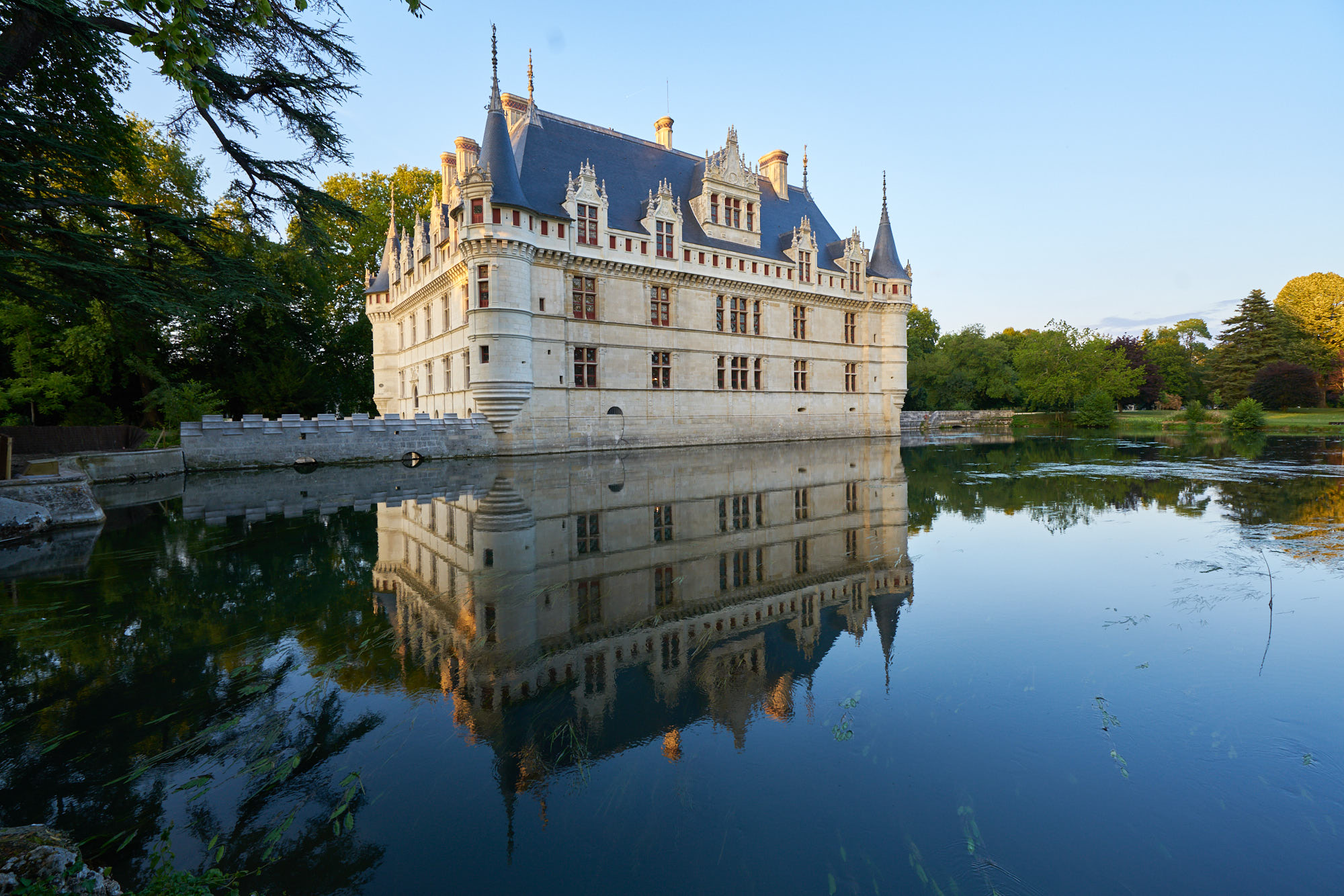 D'Azay-le-Rideau is one of the romantic chateau of the region